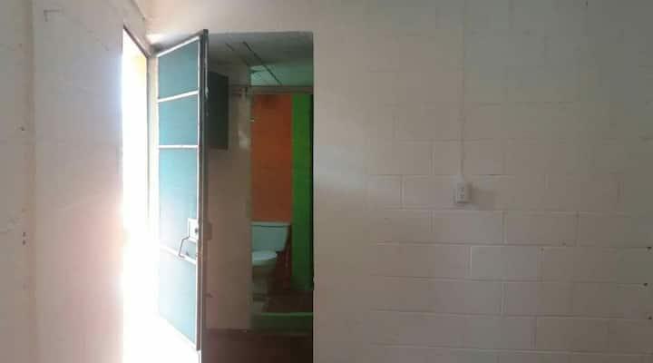Alquilo habitación  para persona sola sin niños