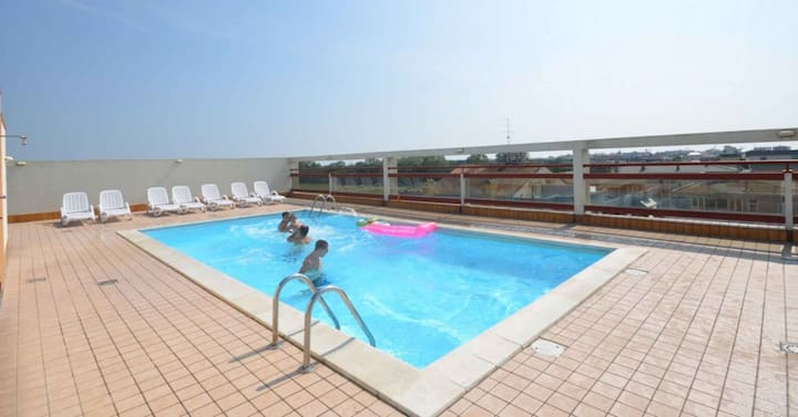 apt for 4+2 persons with pool in Bibione R81700