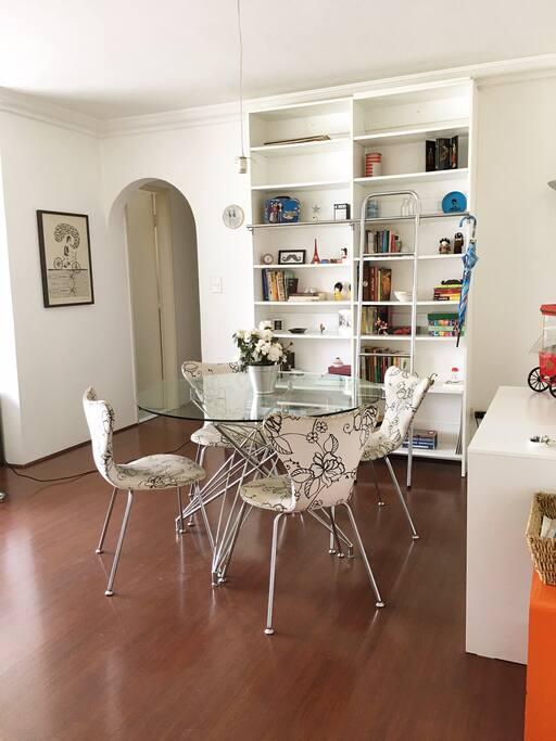 Sala de jantar para 4 pessoas