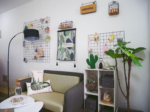 「整套公寓」近传媒大学 /国贸 地铁一号线 月租5900