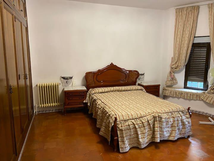 5 habitaciones por meses, campo a 8km de Toledo