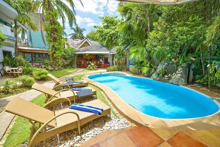 Top 20 Ferienwohnungen In Malay, Ferienhäuser, Unterkünfte ... 18 Luxusvilla Designs Atemberaubend Aussehen