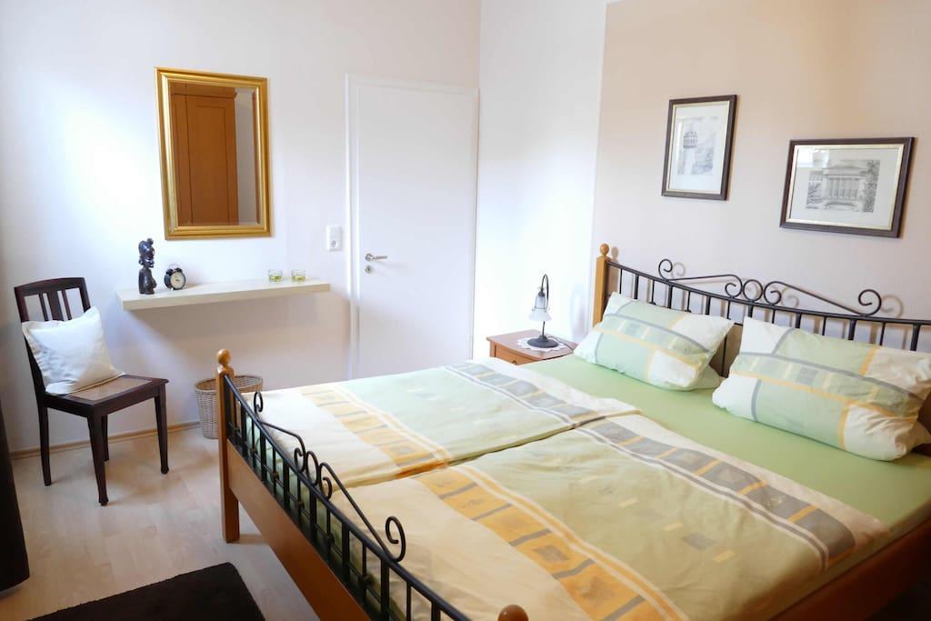 Die Wohnung verfügt über 2 Doppelschlafzim