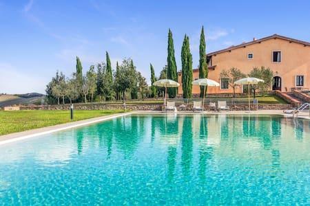 Cascina: 109747 - Montaione - Villa