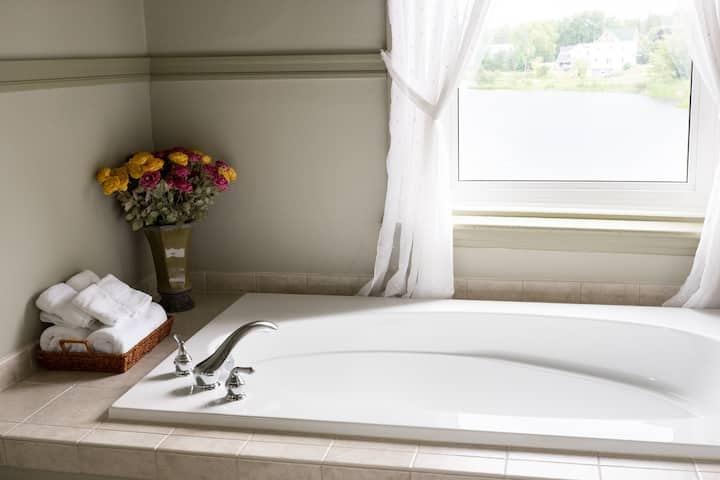Egan Inn: Bonnechere Suite