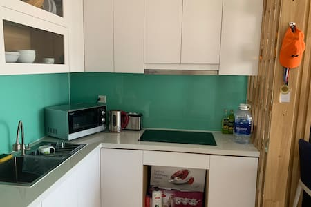 One bedroom for rent in a modern apartment