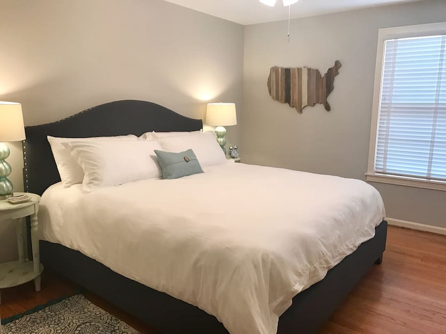 2nd Bedroom w/King bed and same cozy linens