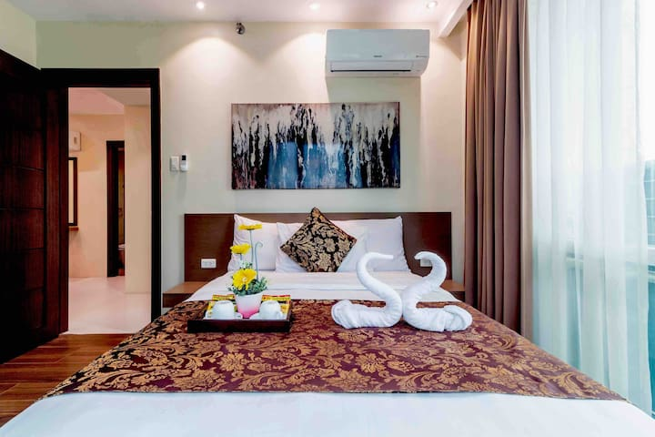 A Brand New Luxury Unit @ Central Cebu for 8 pax