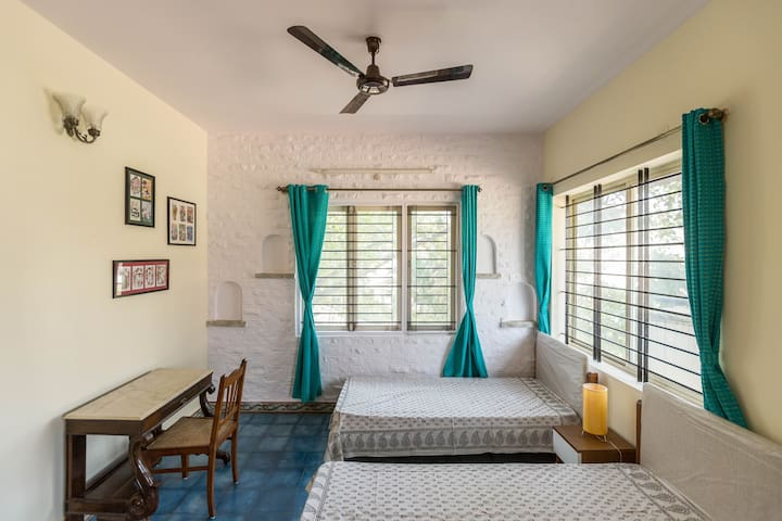 Charming Room at Whitefield, Bangalore - Bangalore - Villa