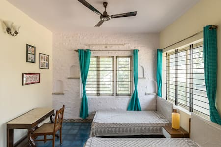 Charming Room at Whitefield, Bangalore - Bangalore - Villa