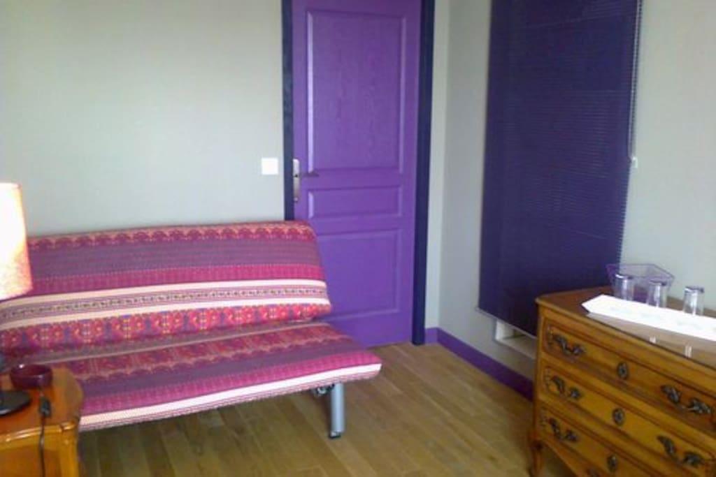 Chambre : Canapé-lit : lit d'appoint