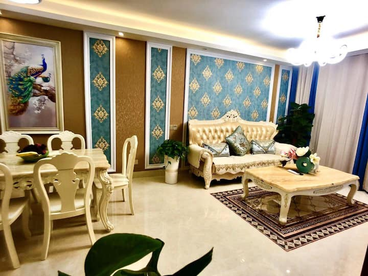 6西乡塘 广西大学 动物园 一号线鲁班路地铁A口豪华舒适3居室