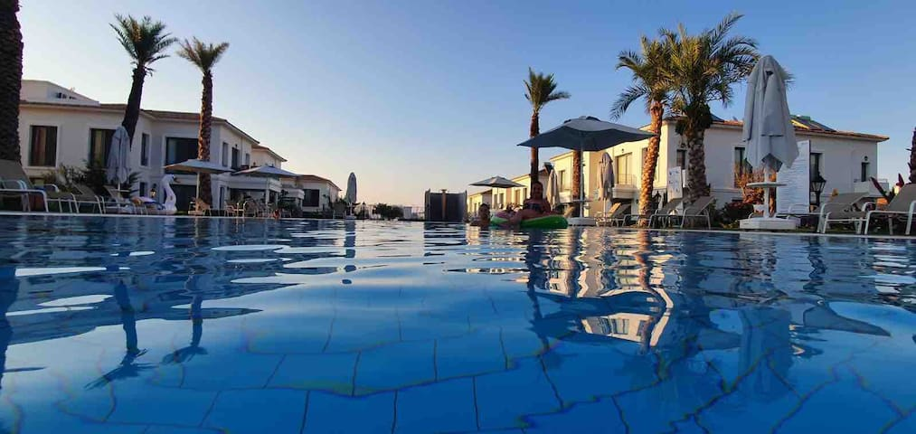 Luxury Sea & Mountain View Flat / Kyrenia