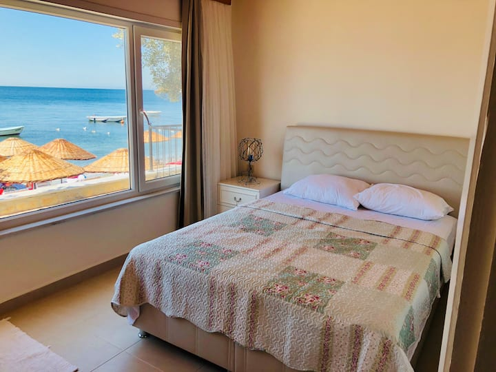 Cozy 3 room flat directly at the sea