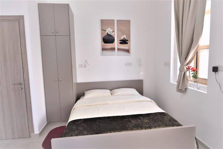 double bed 160cm