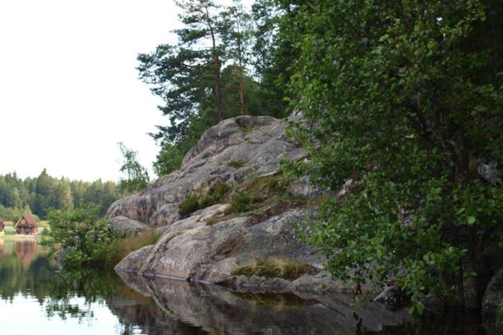 Вид со стороны озера