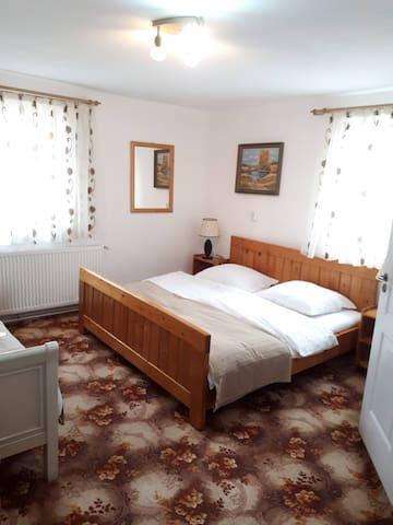 Dormitor pat dublu
