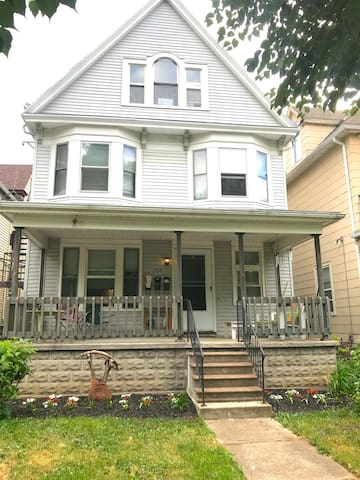 1890's Classic Victorian with front garden.