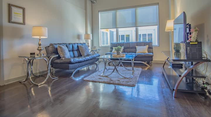Midtown 2 Bedroom Apartment in great location