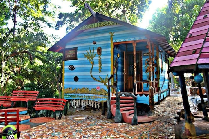 Come stay in our dream cabin! - Utila