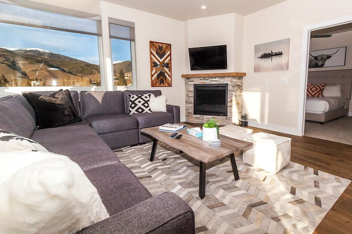 Sail Lofts #301, High-end Finishes, By Lake Dillon