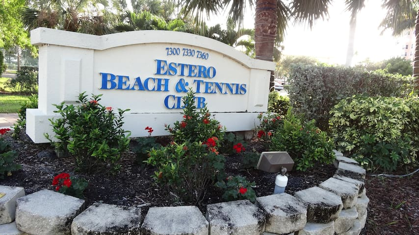 BEACH FRONT CONDO & TENNIS CLUB - Fort Myers Beach - Кондоминиум