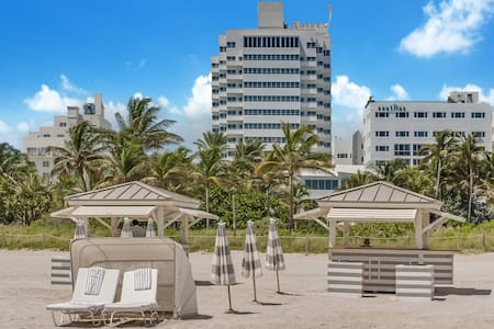 3BR Ocean & Beachfront Art Deco - Miami Beach - Apartment