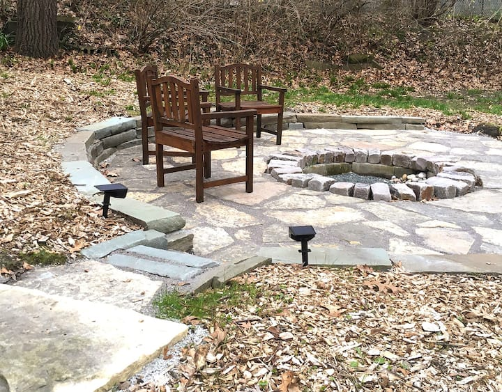 Indiana Dunes Getaway - Beach Firepit Swing 1 acre