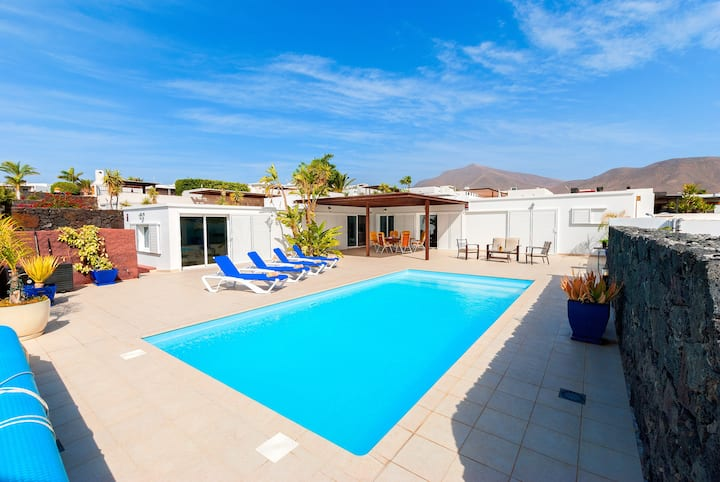Private secluded villa with views over Coloradas
