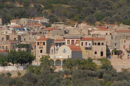 PATRIKA medieval house