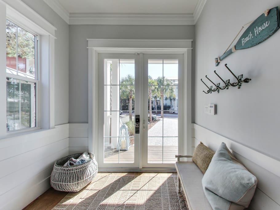 Beautiful and Welcoming Entry Way