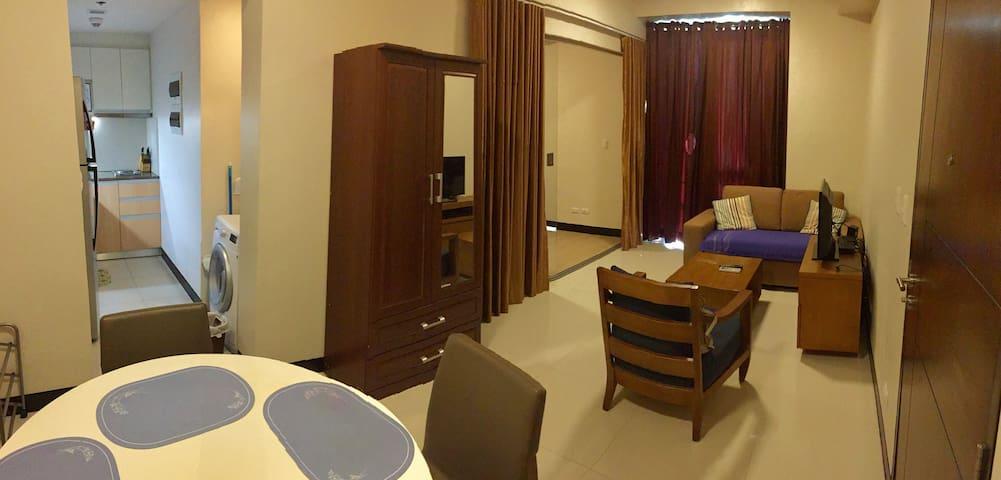 Executive Studio 9NC1