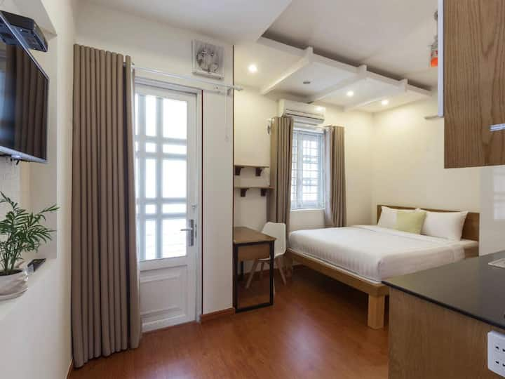 Studio room -District 7- La Apartment Saigon South