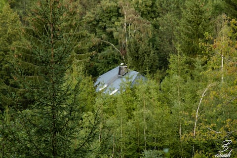 """Piękny pensjonat """"Gniazdo sowy"""" w lesie dla 2-4 osób"""