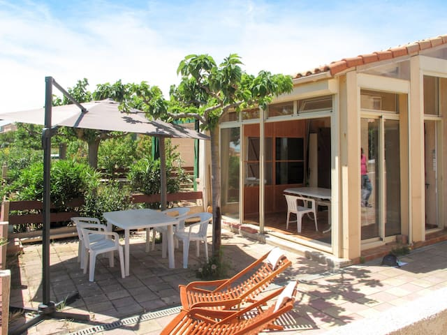 Holiday home Fleury in Saint Pierre-sur-Mer