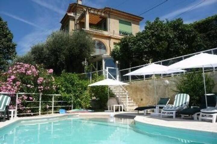 Appart ds villa,jardin&piscine privés,prox.ville .