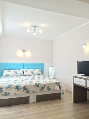 White rose spacious double room - Burgas - Haus