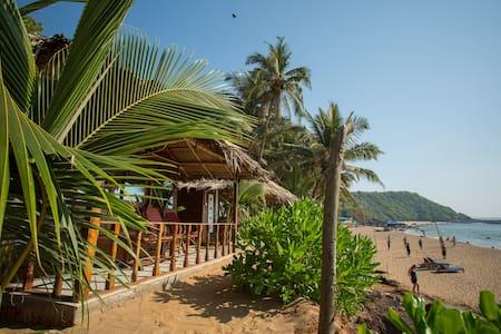 Premium Sea View Cottage on Cola Beach