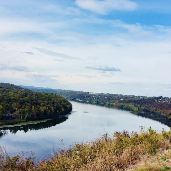 Nearby Lake Taneycomo, Forsyth Look-out View