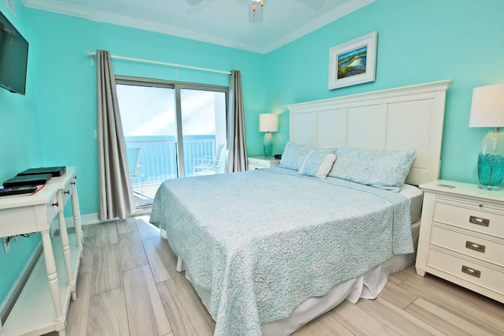 Crystal Tower 1602 - Professional Decorated with Amazing Beach Views!