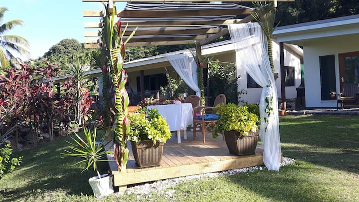 Rarotonga's only Farmstay - kids welcome