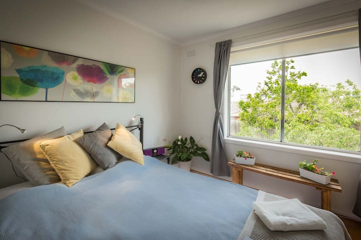 Sunny, spacious room in a great location! - Brunswick East - Daire
