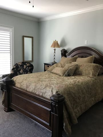 Queen Bedroom for Rent - Quilter's Week - Paducah - Casa