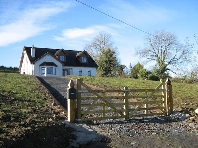 Mulligan's Brae, Co Cavan - Canningstown - House