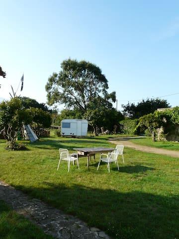Agréable maison dans la campagne bigoudène