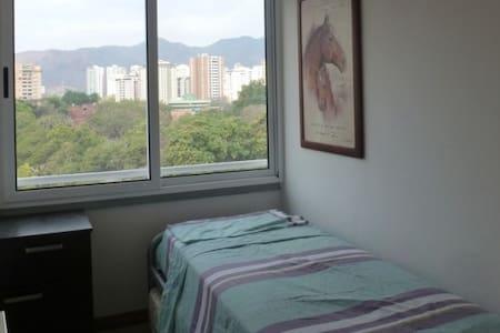 Brazilian Superhost Safe Zone Cozy Apartment ;-) - Valencia