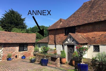 Tudor Cottage Annex