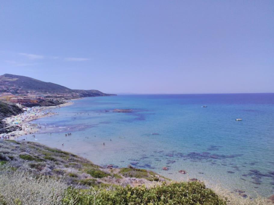 spiaggia a 2 km.