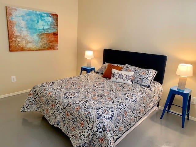 Vibrant Crestview Apartment