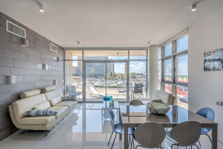 Kerem Hatemanim area - Sunny 3BD with parking